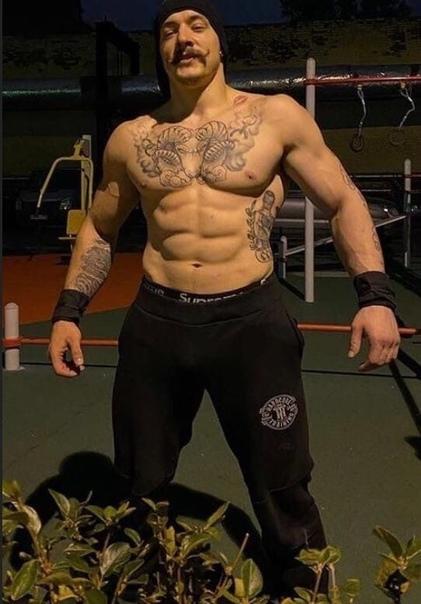 В соцсетях удивились невероятной трансформации тела этого молодого парня по имени Виктор