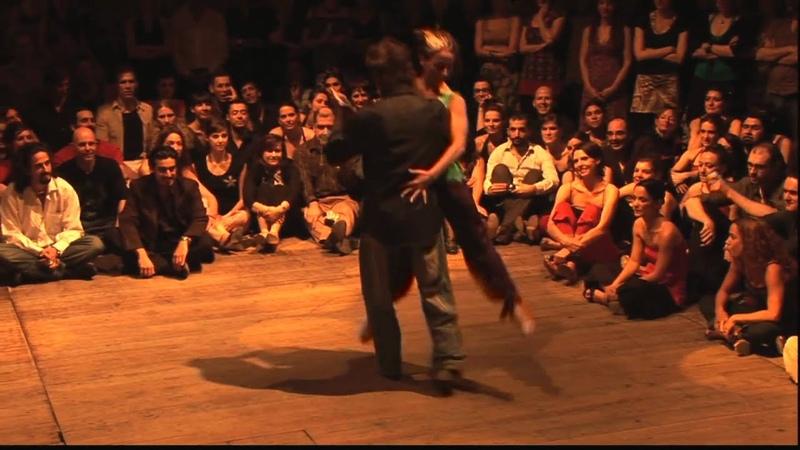 BTF 2009 impro Pablo Inza Cecilia Garcia @ Vaudeville Brussels Tango Festival