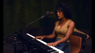Brittani Washington & band perform for CLASSIC AT HOME - featuring PX-S3000