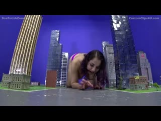 Giantess Gia Love Bigger the Better and the pleasure of it all