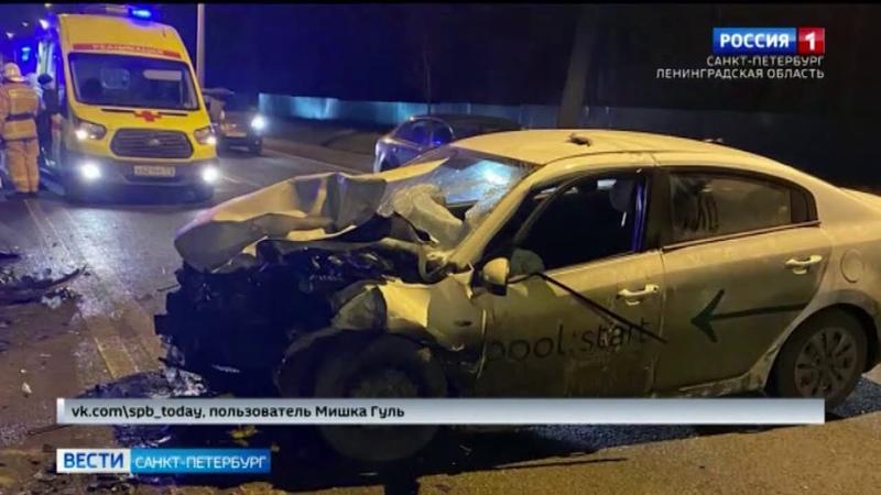 Полиция изучает обстоятельства аварии с участием автомобиля каршеринговой компании