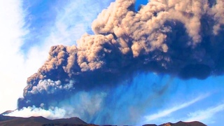 New eruption of Etna closed the sky and unprecedented flood in Russia: Evacuation announced