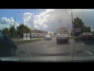 В Бресте водитель Audi чуть не попал в ДТП