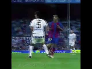 Первый гол Месси, голевой пас от Роналдиньо