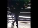 Парень_классно_танцует_шафл_👍👍👍😱360p.mp4