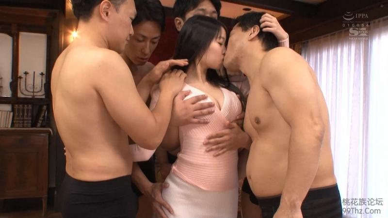 Сочная японка приняла дождь из спермы SSNI 156, в чулка, с