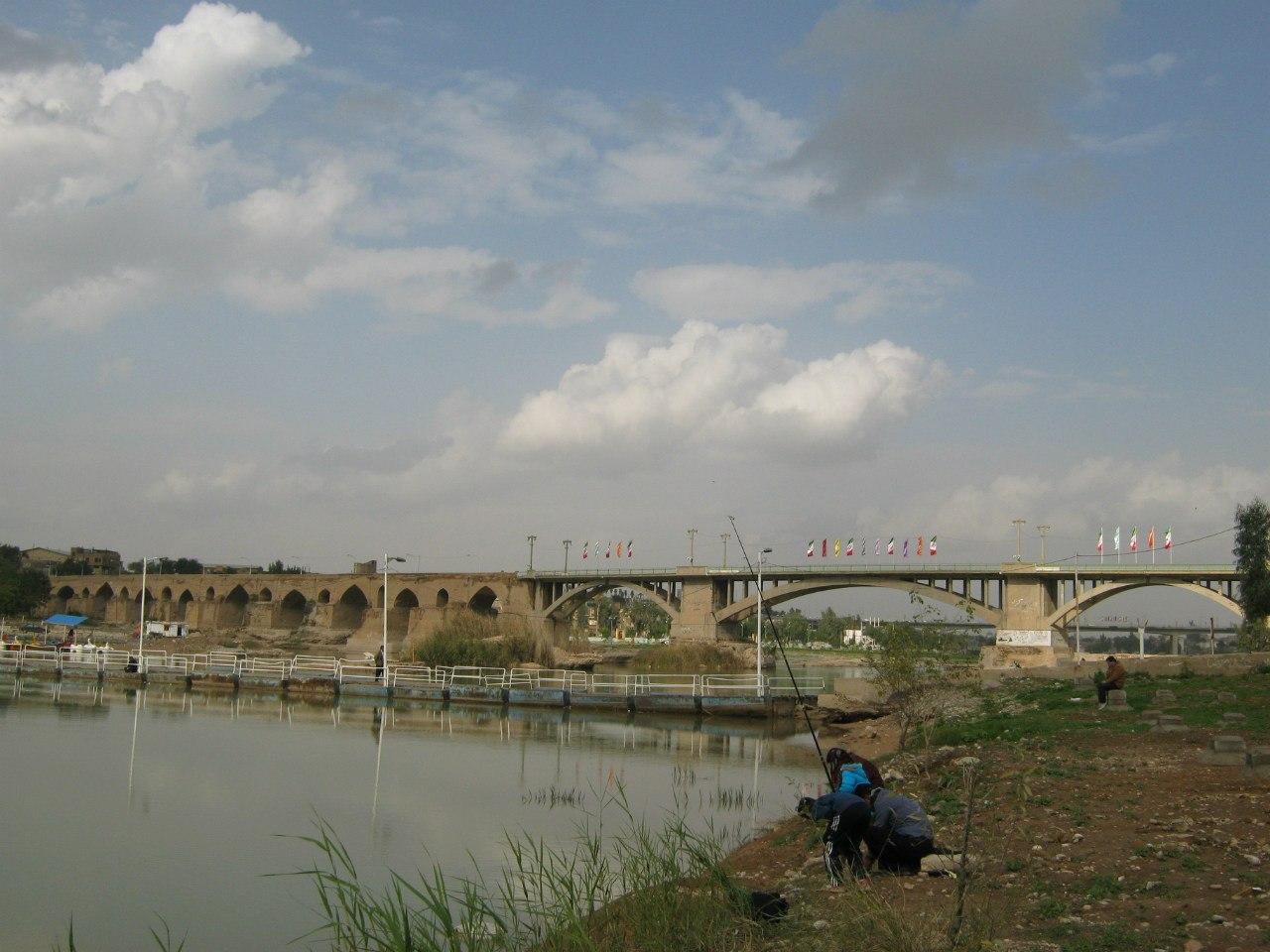 Древний мост в Дезфул