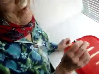 Пиздатый Кокс - Да эта бабуля знает толк в коксе )