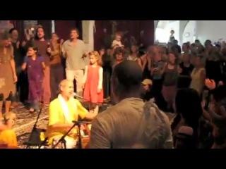 Krishna Das, ShyamDas, Jai Uttal, Vishal Vaid Hari Bol! & the Omega Chant Retreat ... Radhe!