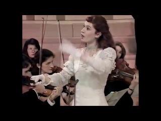 Patricia Petibon Les Contes d'Hoffmann Offenbach Paris 1997