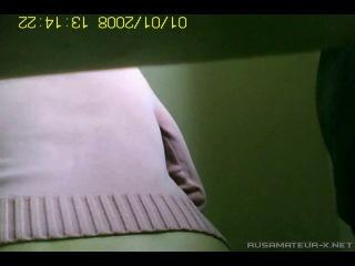 Где то в туалете (Одесса) [2012 г., Amateur,Voyeur,Spy cam,Pissing, CamRip]