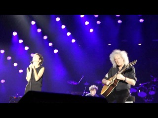 Queen - Brian May and Zemfira - Life is Real (live in Moscow),