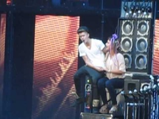 OLLG One Less Lonely Girl Memphis 11/01/12 ~ Close up ~ Believe Tour