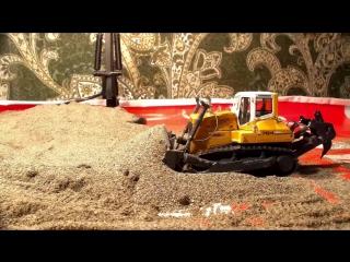 Bulldozer LIEBHERR PR 764 Litronic. RC Model by NZG Scale 1:50 TEST DRIVE