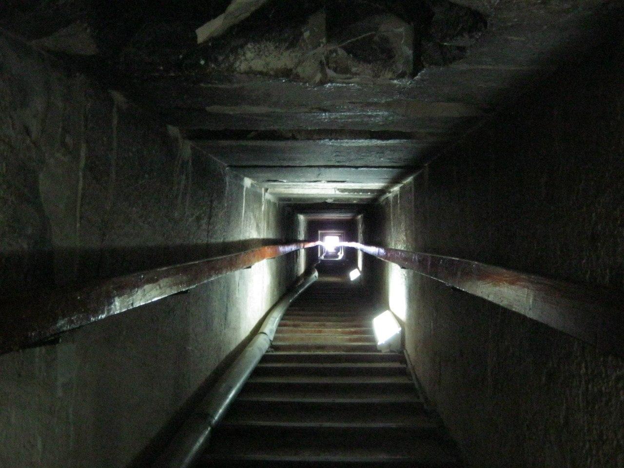 Туннель древнеегипетской пирамиды