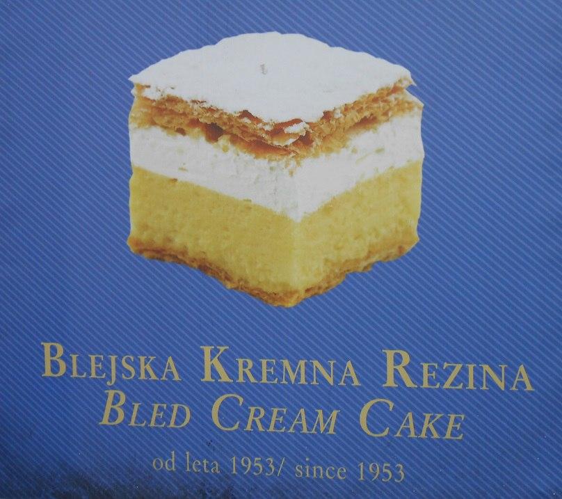 Самый известный местный десерт - Бледская Резина. На мой вкус ничего особенного, кроме названия )))
