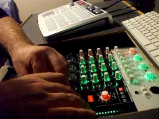 ABLETON + KORG ZERO 4 + KORG PADKONTROL + DJ EEZAL BANGIN IT