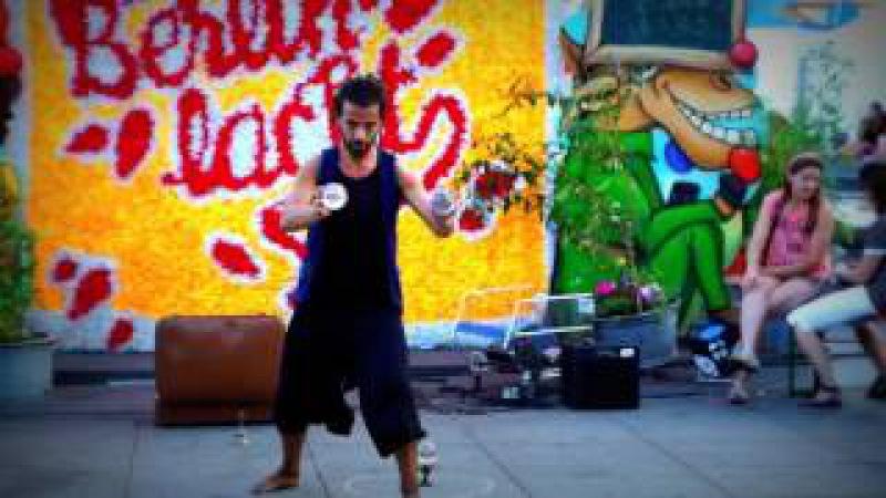 Позитив. Берлінський жонглер — Win-Win. Berlin Crystal Balls Performance