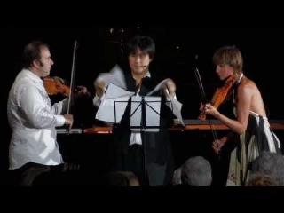 Алексей Игудесман с Викторией Мулловой и корейским пианистом Хен‐ки Чо исполняют «Кукарачу»