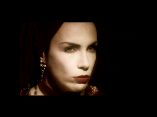 Annie Lennox - Walking On Broken Glass