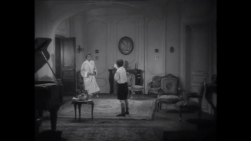 Ребенку дают слабительное Слабительное для малыша Жан Ренуар 1931