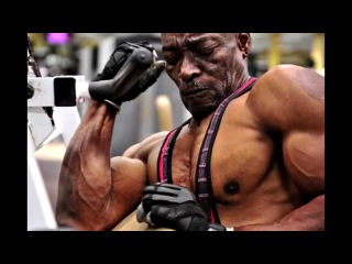 70-летний бодибилдер / 70-Year-Old Bodybuilder