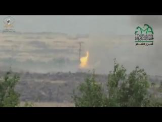 Сирия. Мухафаза Алеппо. Ахрар аш Шам сжигают танк САА.