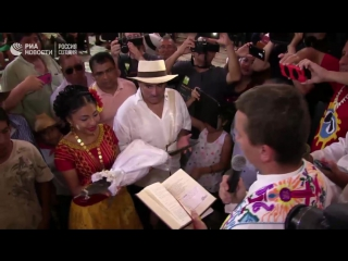 """Мэр мексиканского города Сан-Педро-Хуамелула Виктор Агуилар """"женился"""" на самке крокодила"""