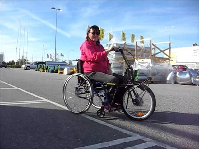 Ride a handcycle with one arm Armbike
