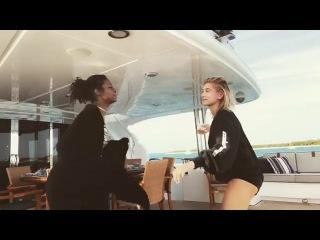 Hailey Baldwin & Justine Skye Dancing
