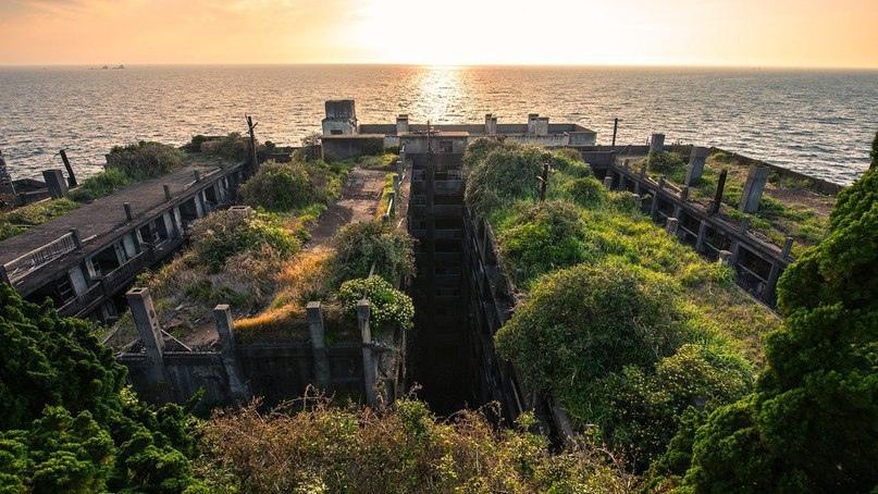 Интересные места нашей планеты Остров Хасима (Япония), изображение №3