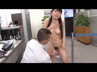 ENF, CMNF, принудительная нагота – девушка раздевается догола, осматривается и унижается на досмотре в аэропорту