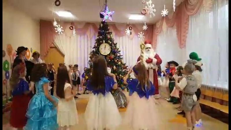 Наш детсадовский Новогодний утренник! Еремику 5 лет. 28 декабря 2017. Калининград.