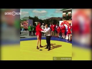 Энгель Фаттахов в Муслюмово провел спарринг со школьником