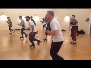 Hip hop Dance routine on Rollerskates!  Uptown Funk Remix