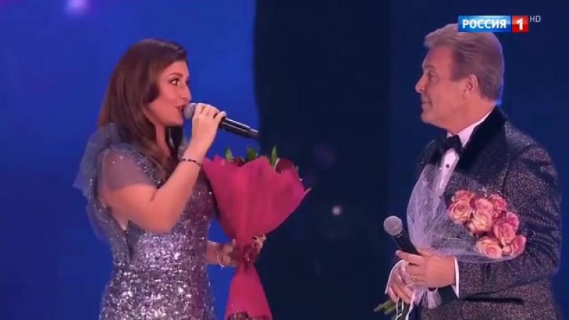 Певица Жасмин вручила награду Льву Лещенко с 75 летием