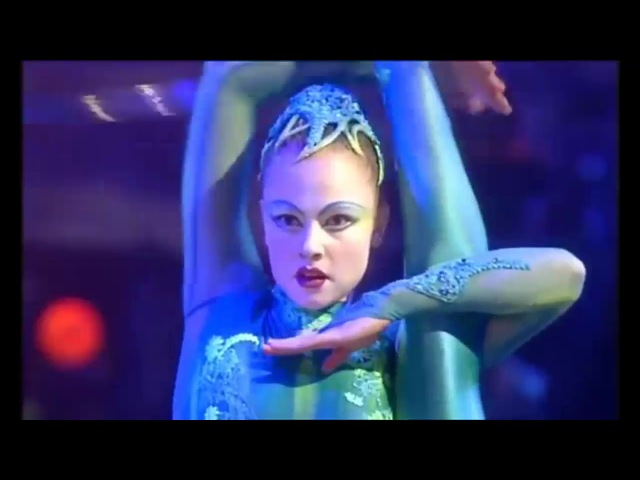 Cirque du Soleil - Alegría: Cerceaux Hula-hoops
