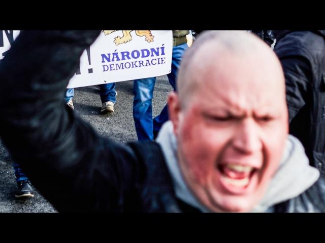 Czech Antifa vs Skinheads anti Islam proti imigrantum Narodni demokracie hooligans anti Islam