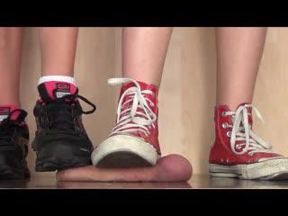 2 girls sneakers cock crush / foot fetish