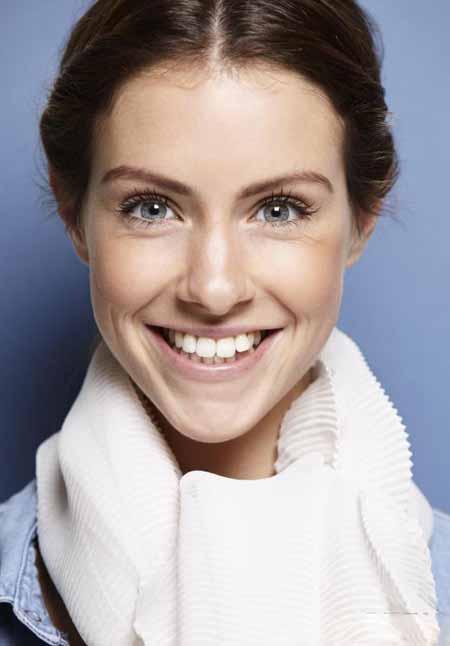 Пациенту часто советуют жевать еду на противоположной стороне от временного зубного пломбы.