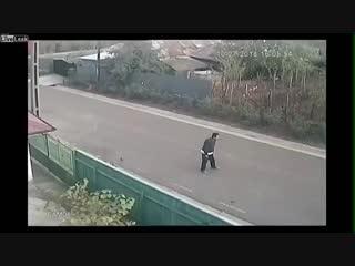 Обычное утро в русской деревне. В Твин Пикс нервно курят в сторонке