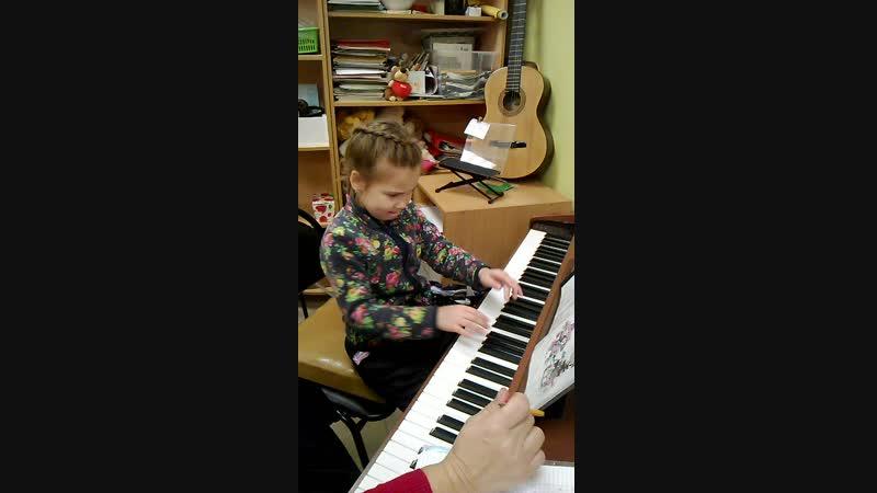 Букашечка) Ева на Фортепиано в Творческой мастерской на Ленина 162-а,44-75-09