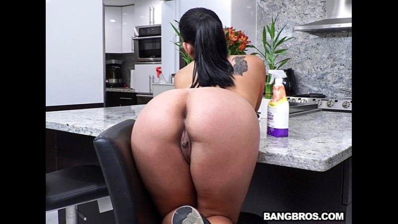 [MyDirtyMaid] Julz Gotti - Juicy Thick Latina Cleaned My House and Cock  rq
