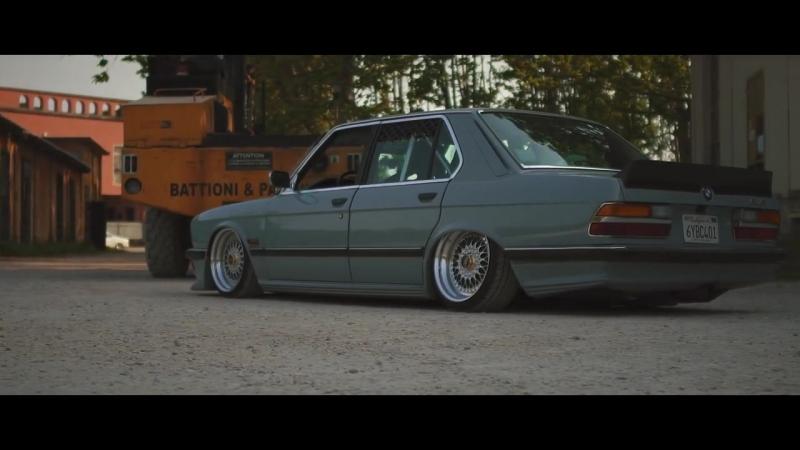 BMW 5er e28%2F Sourkrauts Short