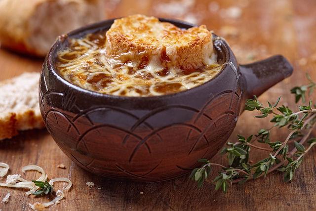 Как правильно приготовить луковый суп, изображение №2