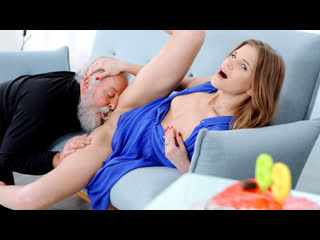 [OldGoesYoung] Sarah Key - Fresh babe gives old man a special present NewPorn2019