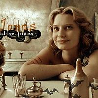 Алиса Джонс