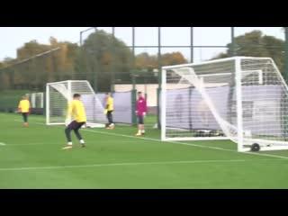 Футбольные упражнения на завершение атаки от Манчестер Сити