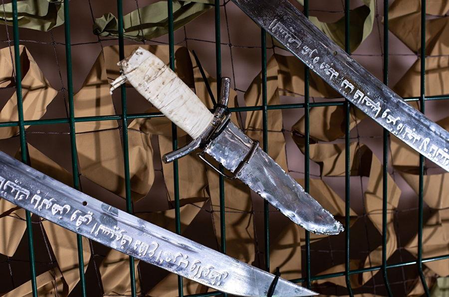 Трофеи из «песочницы»Репортаж c выставки вооружений сирийских боевиков, изображение №45