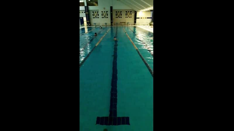 я плаваю)